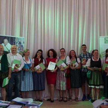 Alle bestanden – 11 frischgebackene FNL-Kräuterexperten aus Bayern.